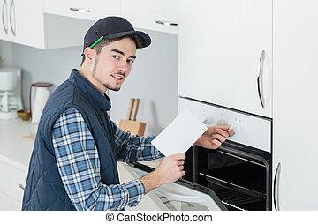 новый, примерка, человек, кухня, плита