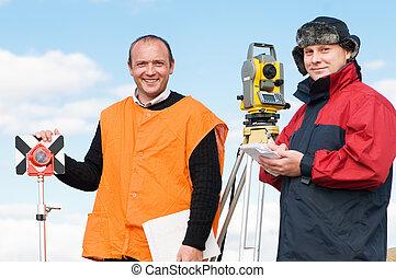 оборудование, workers, теодолит, геодезист