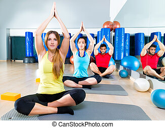 обучение, группа, люди, гимнастический зал, фитнес, йога, упражнение