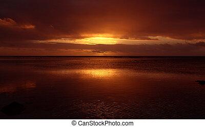 отражающий, закат солнца