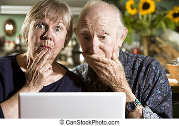 пара, портативный компьютер, компьютер, недоумевает, старшая