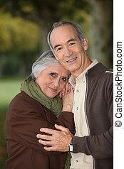 пара, принятие, пожилой, ходить