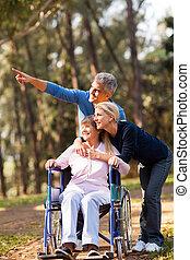 пара, середине, ходить, возраст, мама, старшая, принятие, любящий