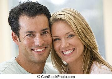 пара, indoors, улыбается