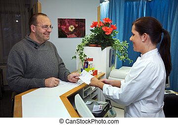 пациент, рецепт, receives