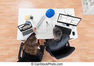 план, discussing, два, architects