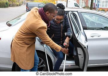 помощь, жена, автомобиль, получить, отключен, человек, вне