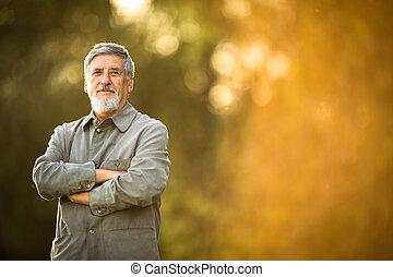 портрет, старшая, человек, на открытом воздухе