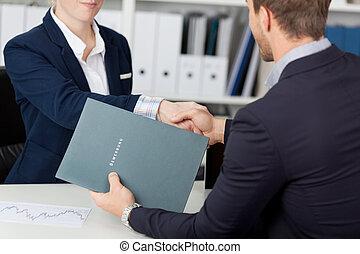 работа, рукопожатие, interviewing, мидель, в то время как