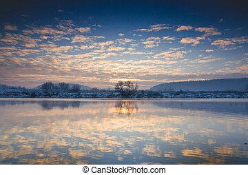 река, зима, восход, над