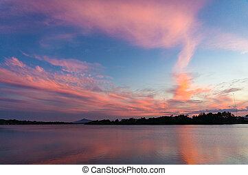 розовый, синий, небо, reflected, воды, удивительно, закат солнца, река