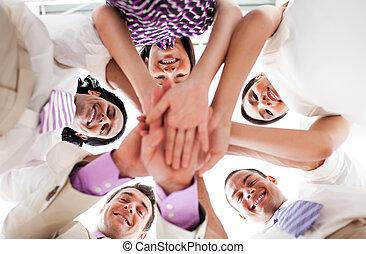 руки, держа, люди, бизнес, вместе, улыбается, круг