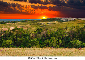 синий, гора, лето, небо, природа, дерево, холм, закат солнца, лес, зеленый, трава, пейзаж, посмотреть