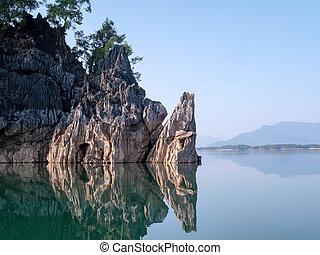 синий, гора, sky., остров, чисто, мир, озеро, воды, river., отражать, спокойный, камень