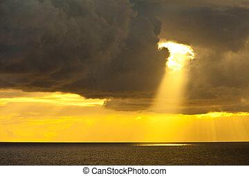 солнечный луч, океан