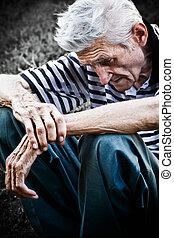 старшая, грустный, человек