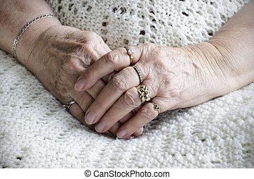 старшая, женщина, руки