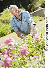 старшая, сад, за работой, человек