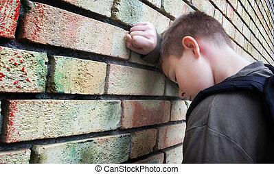 стена, мальчик, рассториться, против