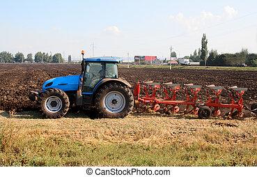 трактор, plough
