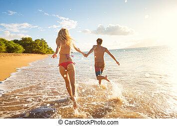 тропический, пляж, пара, закат солнца, счастливый