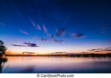 уайли, закат солнца, озеро