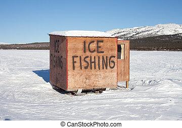 хижина, ловит рыбу, лед