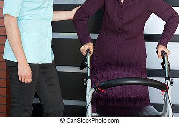 ходок, ортопедический, женщина, старшая, медсестра