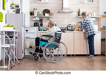 холодильник, помощь, человек, завтрак, инвалидная коляска, жена, инвалид, preparing, открытие