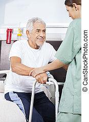 assisting, пациент, центр, восстановление, стоять, медсестра