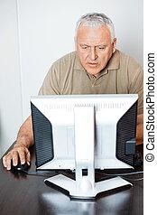 concentrated, класс, компьютер, с помощью, старшая, человек