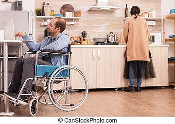 disability, гулять пешком, парень