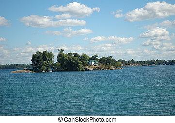 islands, небо, trees, озеро, зеленый, воды, buildings, отдых, clouds