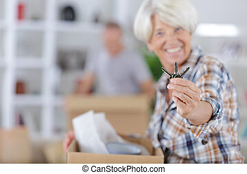 keys, старшая, женщина, показ