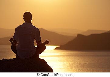 meditating, парень, закат солнца