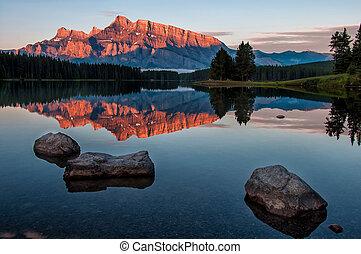 minnewanka, отражение, озеро, гора
