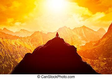 mountains, сидящий, clouds, выше, вверх, sunset., йога, должность, женщина, meditating