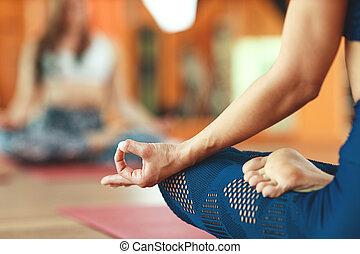 practicing, лотос, meditating, mudra, рука, женщина, должность, йога