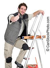 thumbs-up, плиточник, giving, лестница, в то время как, альпинизм
