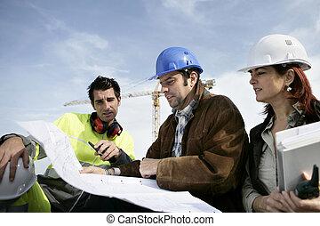 workers, строительство, discussing, plans
